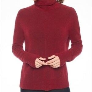 Athleta wine color turtleneck sweater  small NWOT